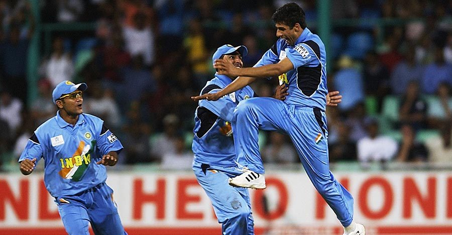 Ashish Nehra 6 for 23 runs against England 2003 world cup